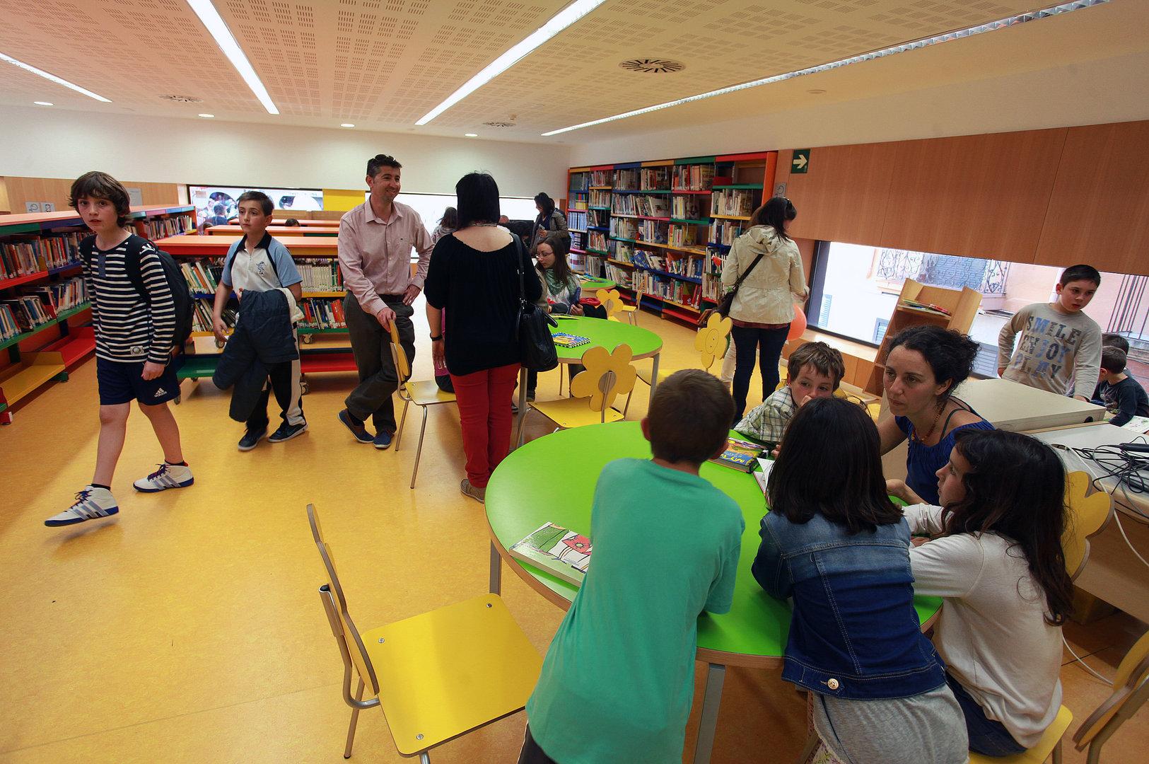 La Biblioteca Carles Cardó s'endinsa en el món de la salut amb un contacontes, una sessió de club de lectura i diverses publicacions